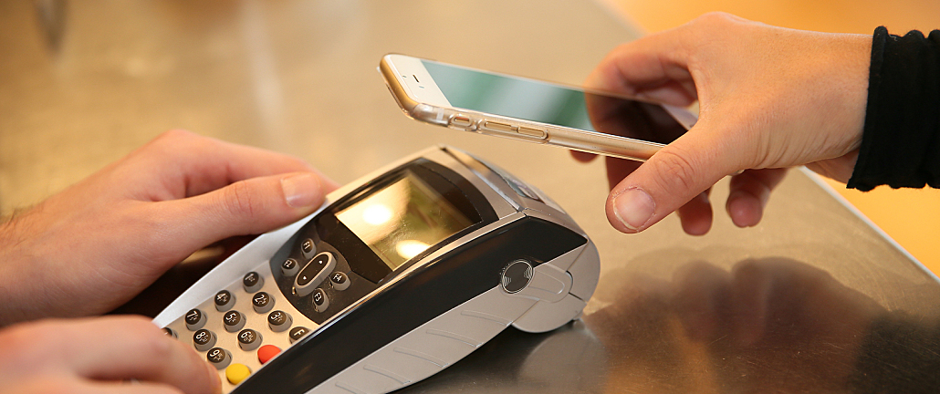Featured Image for Benefits of Digital Wallets for Small to Midsized Businesses