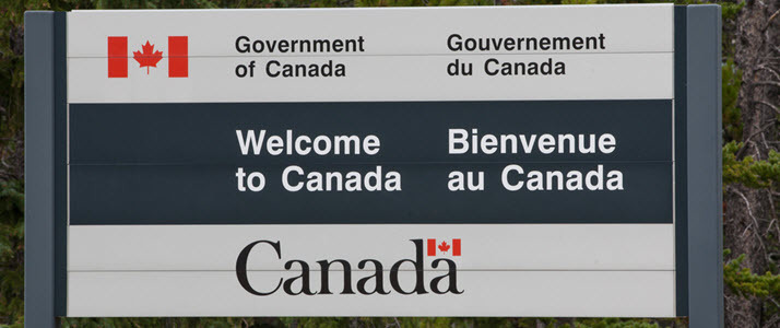 Canadian border welcome sign